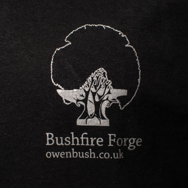 T-Shirt breast logo